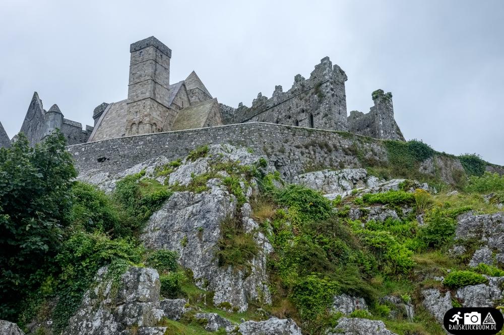 Irland-Rock_of_Cashel-1